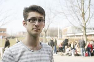 Olof Åkesson fick diagnosen dyslexi sista året på gymnasiet. – Jag har alltid läst otroligt mycket vilket gjort att jag kunnat hänga med i samma takt som klasskompisarna, säger han. Foto: Lukas Norrsell