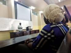 Statsvetarstudenter diskuterar Afrikas framtida utmaningar. Foto: Lisa Carmack
