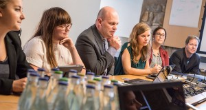 Delar av Lunds nya styre: Pernilla West (Fi), Angelica Kauntz (Fi), Anders Almgren (S), Emma Berginger (MP), Elin Gustafsson (S) och Peter Bergwall (MP). Foto: Thobias Bergström.