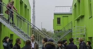 De nya gröna bostäderna vid Kämnärsrätten är svåra att inte lägga märke till. Foto: Jens Hunt.