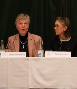 Barbro Westerholm (till vänster) är läkare, forskare, ämbetsman och folkpartistisk riksdagsledamot, och en av de mest aktiva i surrogatmoderskapsdebatten. Hon sitter dessutom som ledamot i statens medicinsk-etiska råd, Smer, som under 2013 släppte en stor utredning på området. Foto: Daniel Kodipelli.