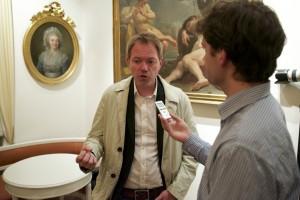 Fredric Karén, chefredaktör på Svenska dagbladet, intervjuas efter Studentafton. Foto: Daniel Kodipelli.