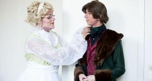 Constance Lloyd och Oscar Wilde, snart på en spexscen nära dig. Foto: Eleina May