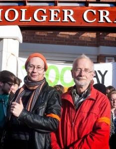 Adam Leckius och Sven Liljefors deltog i manifestationen. Foto: Nike Eliasson.