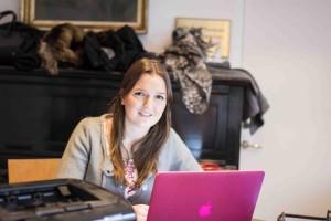 Novischtjänstemannen Sonya Kryƶanski på Malmö nation ser fram emot novischperioden. – Gemenskapen är det som folk gillar mest. Det är lätt att känna sig som hemma, säger hon. Foto: Jens Hansen.