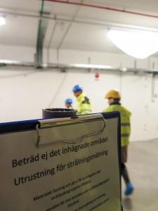 Hellmark Knutsson hälsades välkommen in på de annars förbjudna områdena på Max IV. Foto: Annika Skogar