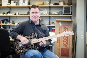 Olaf Diegel är forskare i produktutveckling vid Lunds tekniska högskola. Hans stora fritidsintresse är att tillverka instrument med hjälp av 3D-skrivare. Foto: Simon Cesarini