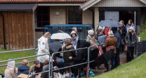 Lång kö till årets Tandembiljetter! Foto: Saga Sandin