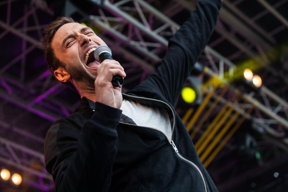 Måns Zelmerlöw uppträdde på Stortorget under måndagskvällen och takade alla sina Lundafans. Foto: Saga Sandin