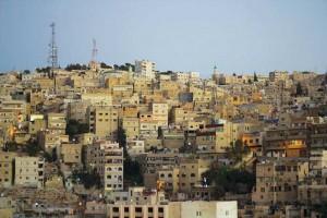 Jordaniens huvudstad Amman ligger drygt en och en halv timmes bilresa från den syriska gränsen. Hit har många syriska studenter flytt för att bygga upp ett nytt liv. Foto: Gustav Wirtén