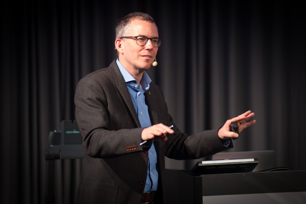 Ulf Ellervik pratade bland annat om dödssynder och molekyler. Foto: Jonas Jakobson.