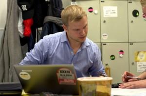 Jaan Siitonen skriver sin magisteravhandling om Helsinki Think Company. Foto: Niklas Evers/Studentbladet